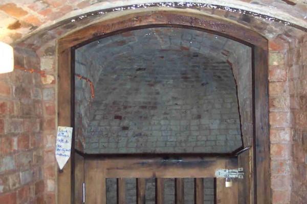 Entrance passageway